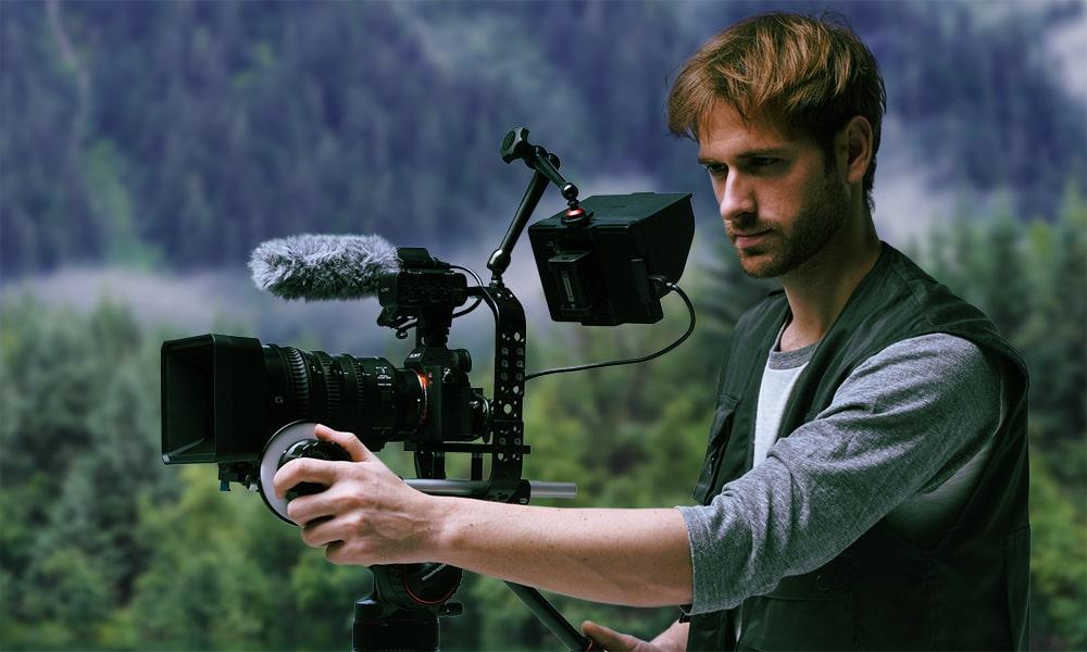 Sony Alpha ILCE-7RM3 Black Невероятную реалистичность видео обеспечивает инновационная поддержка формата 4K HDR