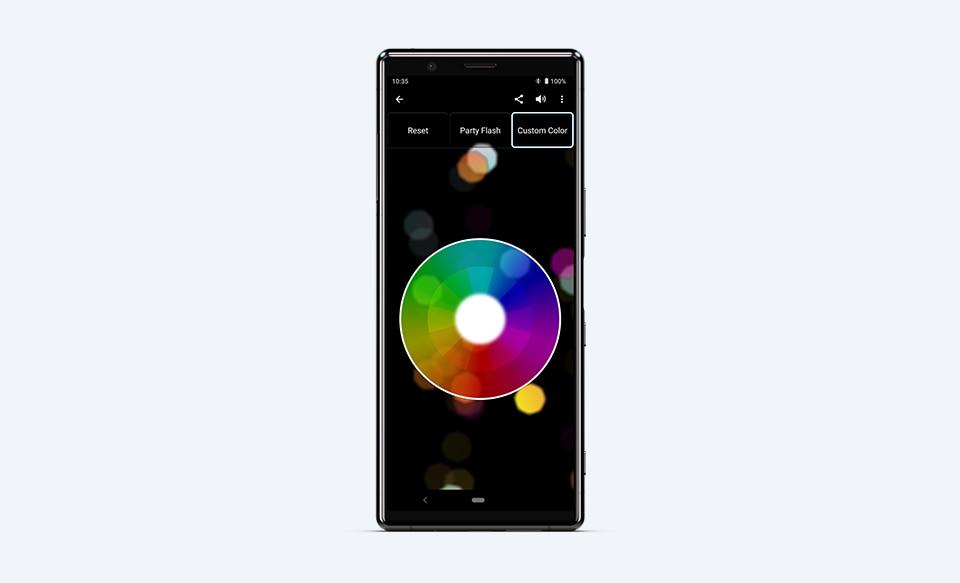 Приложение Fiestable на дисплее смартфона