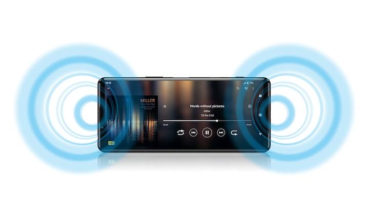 Xperia 5 III с интерфейсом музыкального приложения и изображением звуковых волн, исходящих из динамиков