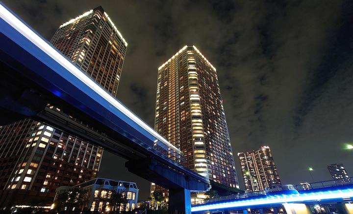 Городской ночной пейзаж