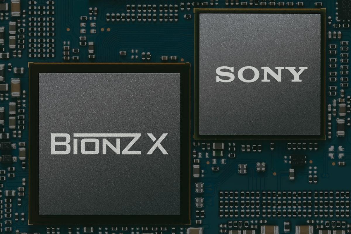 Улучшенный процессор изображений BIONZ X™ для отличного качества снимков
